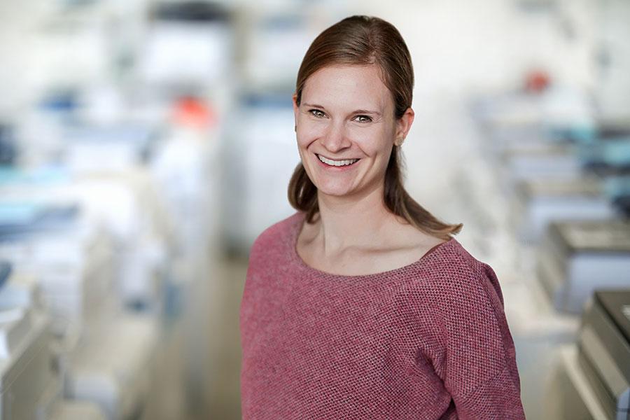 ZDS Bürosysteme Vertrieb und Service GmbH: Yvonne Böttler, Verwaltung